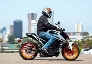 motorcycle safety tips every riders should know