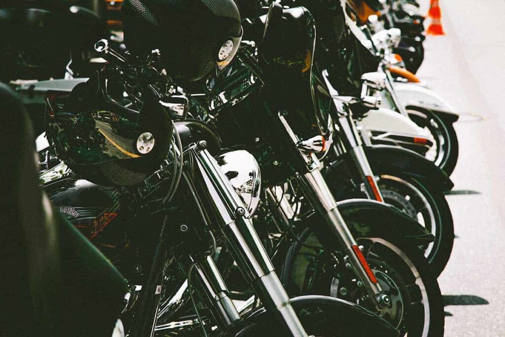 motorcycle-safety-tips-every-rider-should-now