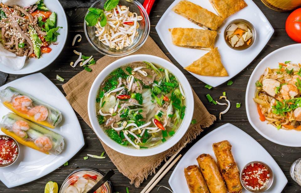 motorcycle-tours-pho-vietnamese-food