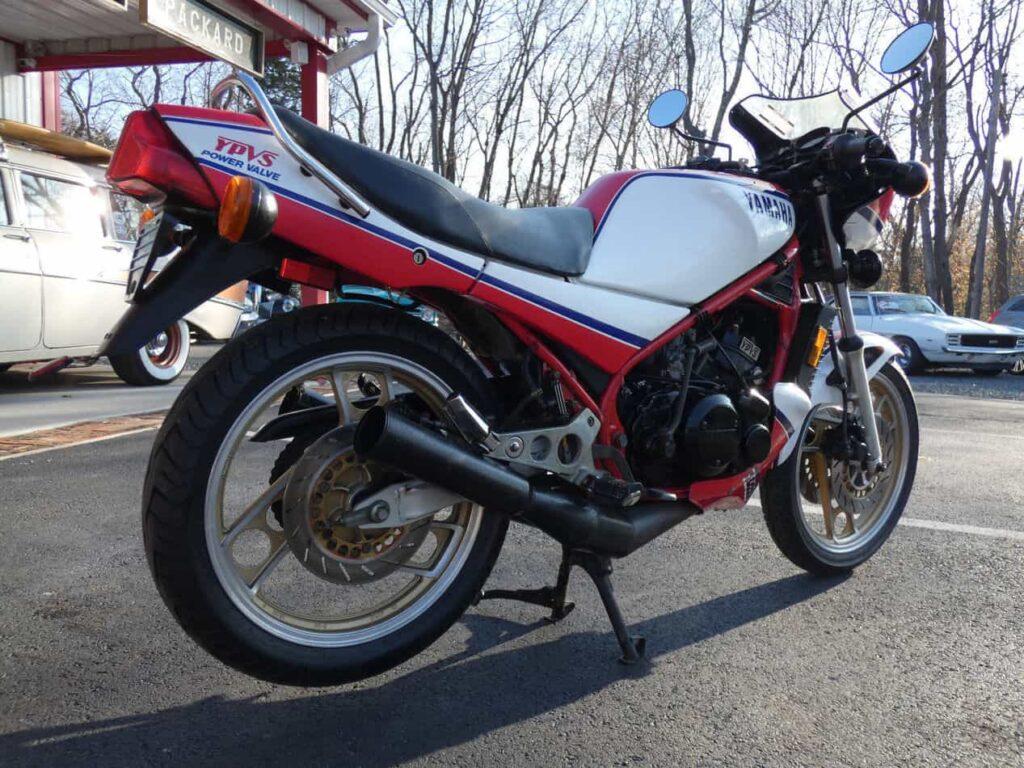 1984 yamaha RZ350 sportbike