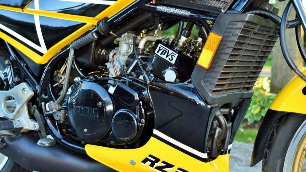 1984-yamaha-rz350-sportbike-micramoto-9