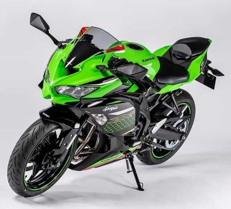 2021-kawasaki-ninja-zx25r-4-cylinder-green-black