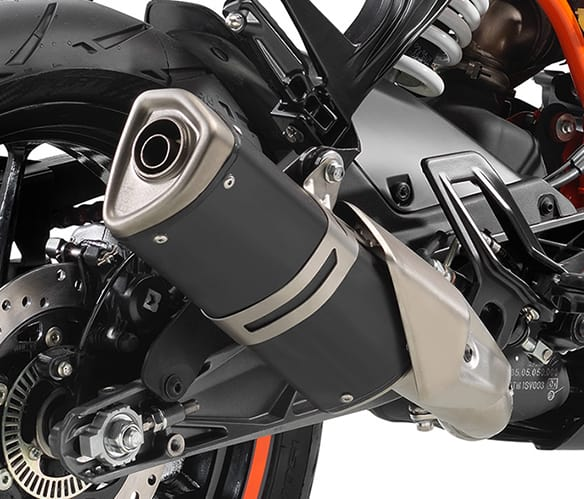 2020-ktm-rc-390-wheels