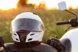 best-motorcycle-helmets-under-200-sitting-bike
