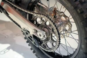 motorcycle-drive-chain