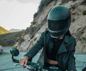 What-is-the-Lightest-Women's-Full-Face-Motorcycle-Helmet-micramoto (3)