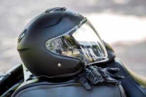 The-Safety-of-Full-Face-Helmets-micramoto